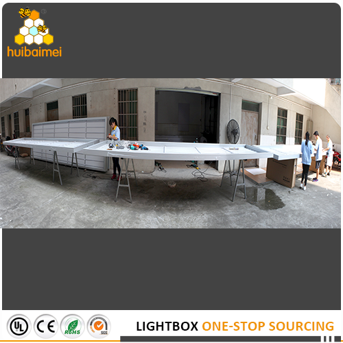 our snap open HBMA65-80 fabric light box for big banner advertising